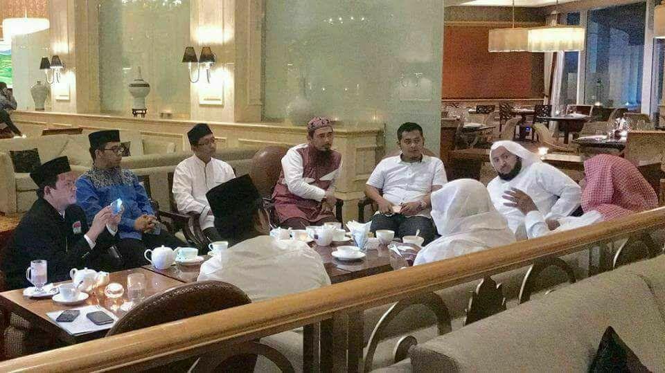 """Tokoh Salafi Indonesia """"Disemprot"""" Menteri Bidang Dakwah Arab Saudi Karena Kata Bid'ah"""